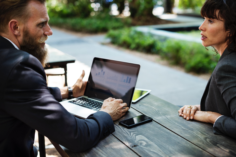 Weil persönliche Treffen in der VUCA-Weltseltener werden, ist es wichtig, hier gut zu kommunizieren.