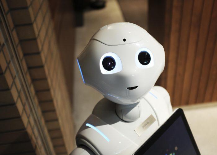 Ob dieser Roboter auch schon etwas vom Story Hype gehört hat?